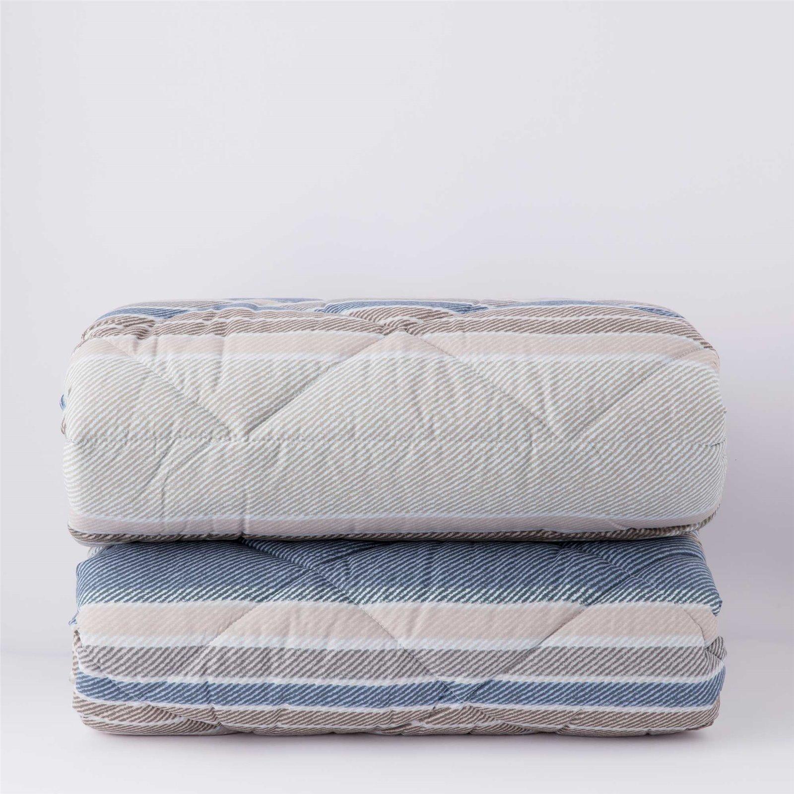 Degrade Cushion in Tibetan Lamb