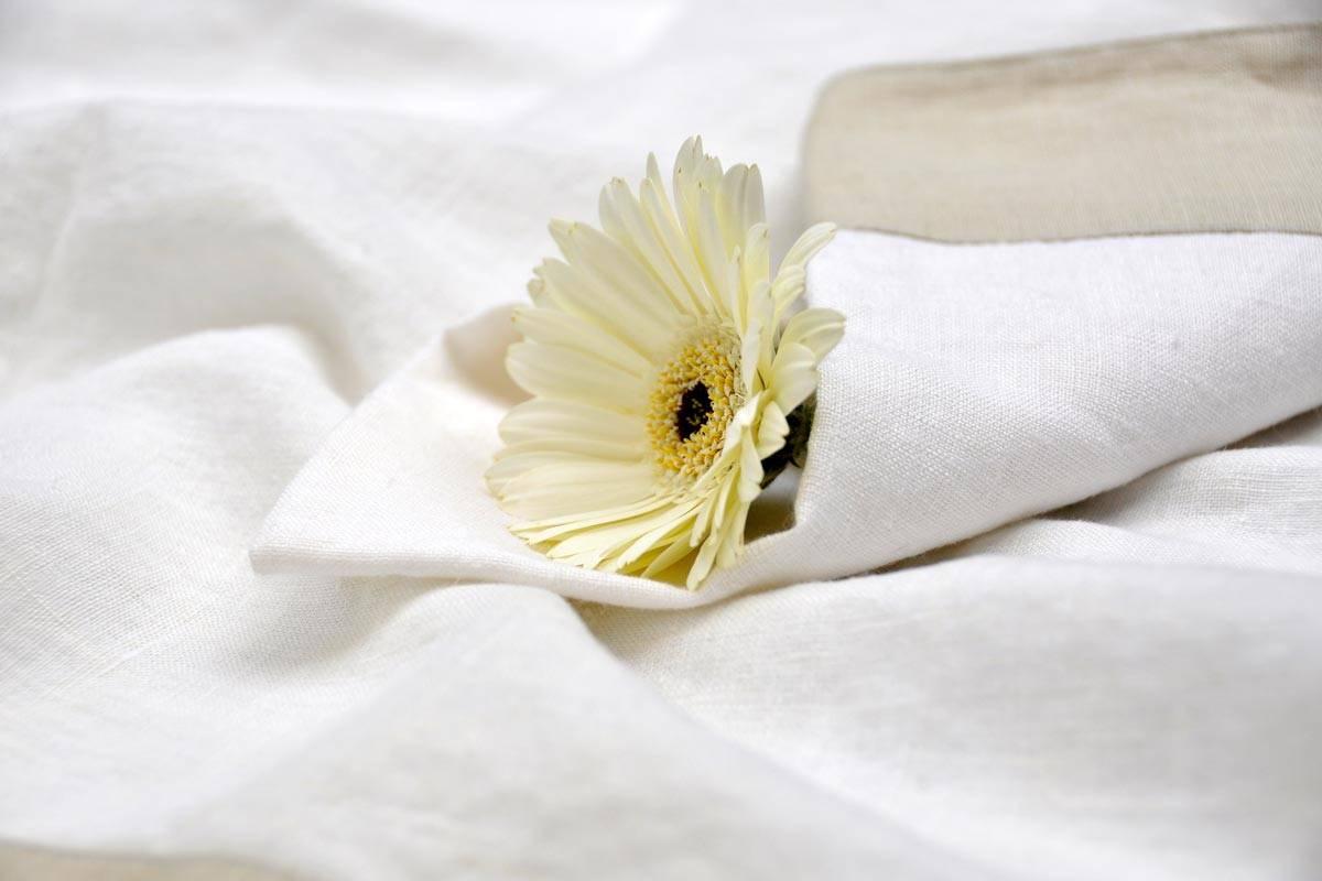 smacchiare lenzuola ingiallite