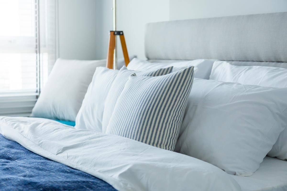 Cuscini Bianchi E Neri come scegliere il cuscino per il letto e la zona living