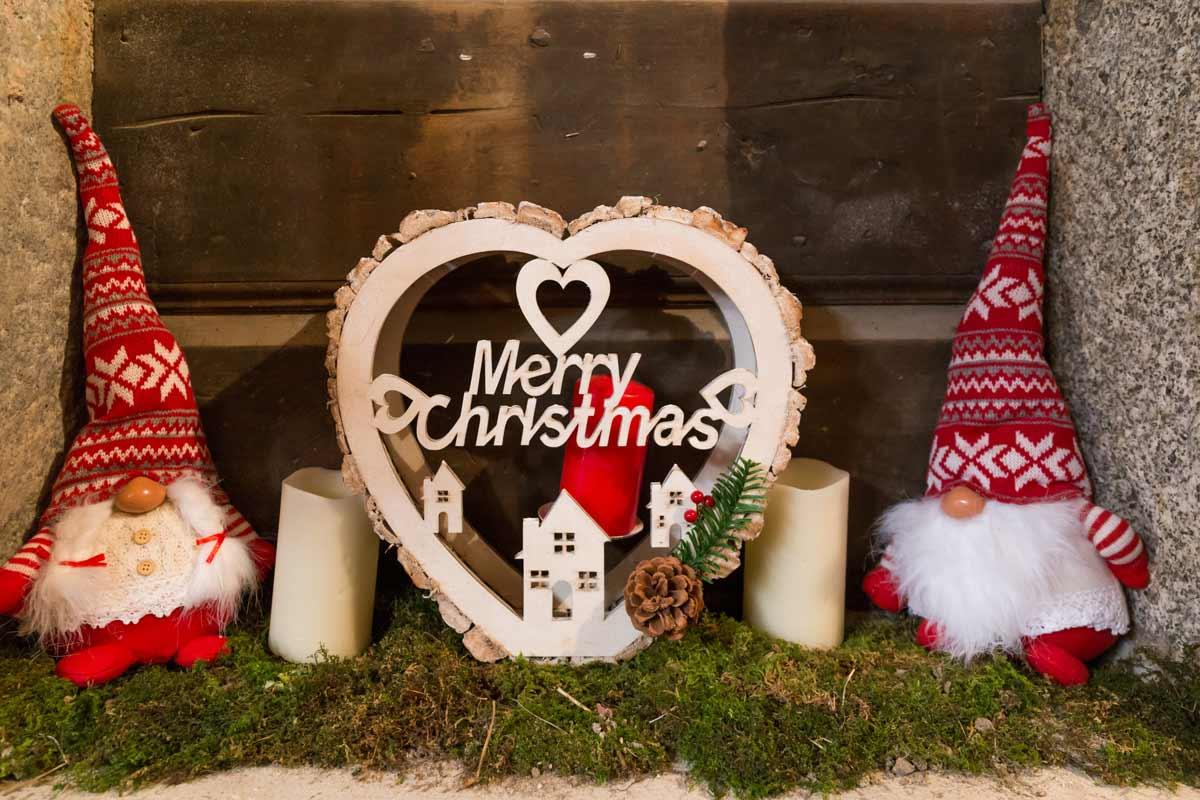 Creare Composizioni Per Natale come arredare casa per natale: addobbi e decorazioni