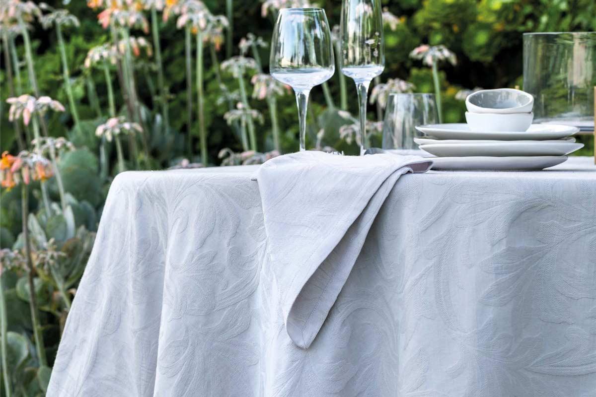 Come apparecchiare la tavola in estate